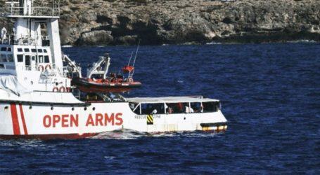 Εισαγγελείς διέταξαν την άμεση αποβίβαση των μεταναστών του Open Arms στη Λαμπεντούζα
