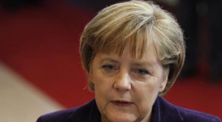 Η καγκελάριος της Γερμανίας Άγγελα Μέρκελ υποδέχεται τον Μπόρις Τζόνσον