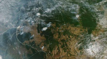 Ο Μπολσονάρου κατηγορεί τις ΜΚΟ για τις πυρκαγιές στο τροπικό δάσος του Αμαζονίου