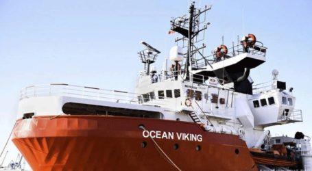 Τελειώνουν τα τρόφιμα στο Ocean Viking που μεταφέρει 356 μετανάστες