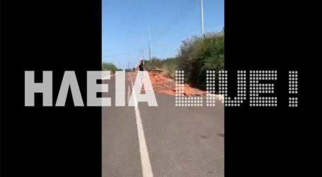 Ε.Ο. Πύργου – Κυπαρισσίας: Σκόρπισε το φορτίο με τα κεραμίδια