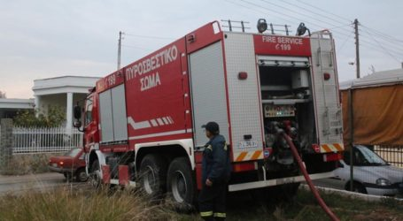 Δύο πυροσβέστες τραυματίστηκαν ελαφρά σε τροχαίο
