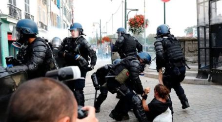 Συγκρούσεις μεταξύ αστυνομίας και διαδηλωτών στο περιθώριο της G7
