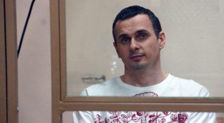Στη Μόσχα μεταφέρθηκε ο φυλακισμένος Ουκρανός κινηματογραφιστής Σεντσόφ