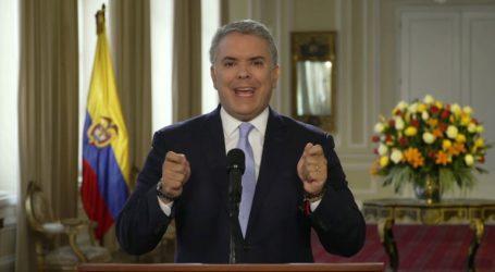 Ο πρόεδρος Ντούκε κατηγορεί τη Βενεζουέλα ότι «φιλοξενεί» και «υποστηρίζει» νέα οργάνωση ανταρτών