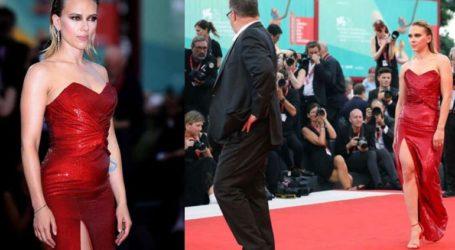 Απαστράπτουσα η Scarlett Johansson στην πρεμιέρα της ταινίας της!