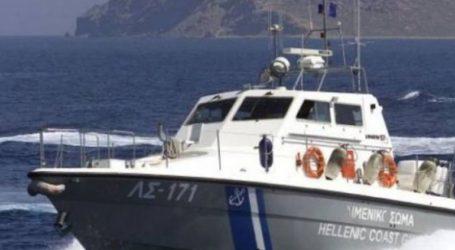 Κατασβέστηκε πυρκαγιά που ξέσπασε σε θαλαμηγό νότια των Αντιπαξών-Σώοι oι επιβάτες