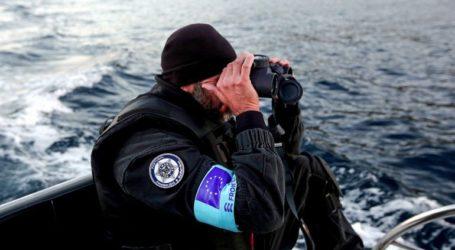 Συνελήφθη ο διακινητής και διασώθηκαν 30 μετανάστες που κατέφθασαν στη Σάμο με λέμβο
