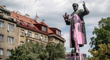 Τσεχία: Άγαλμα ενός Σοβιετικού στρατηγού στο κέντρο της διένεξης Πράγας