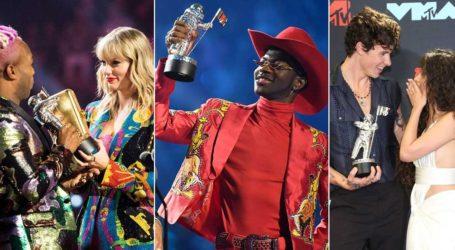 Βραβεία MTV: Oι νικητές και οι λαμπερές εμφανίσεις των stars στο κόκκινο χαλί!