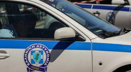 Για απειλή και ενδοοικογενειακή βία συνελήφθη στον Βόλο ένας 56χρονος