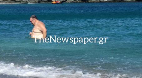 ΑΠΟΚΛΕΙΣΤΙΚΟ: Οι διακοπές του Ευάγγελου Βενιζέλου στην Κύθνο [εικόνες]
