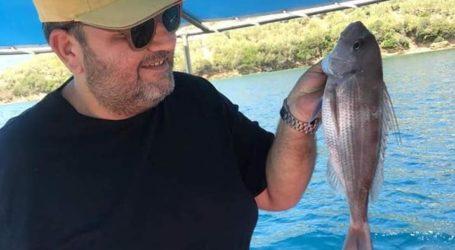 Για ψάρεμα στον Παγασητικό ο Βολιώτης μουσικοσυνθέτης Ανδρέας Κατσιγιάννης [εικόνες]