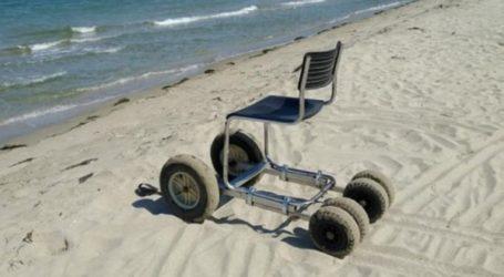 Λάρισα: Αστυνομικός κατασκεύασε αμαξίδιο παραλίας για ΑμεΑ