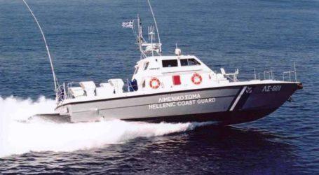 Σκάφος ακυβέρνητο με τέσσερις επιβαίνοντες στη Σκιάθο