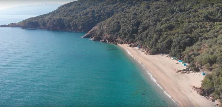 Από ψηλά δύο από τις ομορφότερες παραλίες της Λάρισας, σαν κεντημένες από θεϊκό χέρι (φωτο – βίντεο)