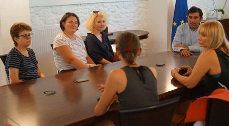 Στη Σκιάθο Ρουμάνοι δημοσιογράφοι – Εντυπωσιασμένοι από το νησί