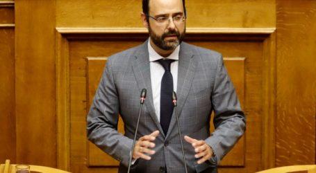 Στη Βουλή το θέμα της αέριας ρύπανσης στον Βόλο από τον Κ. Μαραβέγια