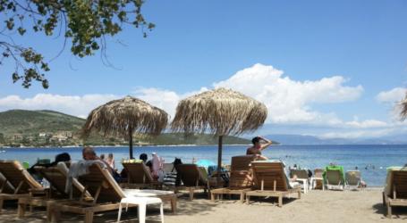 Με βουτιές αποχαιρετούν τον Σεπτέμβρη οι Bολιώτες – Γεμάτες οι παραλίες