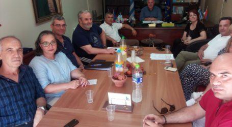 Συνάντηση Δημάρχου Ρήγα Φεραίου και εκπαιδευτικών
