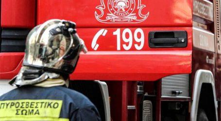 Πυρκαγιά σε υπαίθριο χώρο στην οδό Πειραιώς