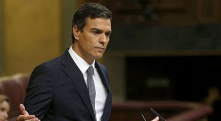 Ο Σάντσεθ ανακοινώνει 370 μέτρα για να προσελκύσει τη στήριξη από τους Podemos