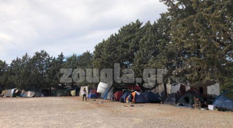 Έληξε η συγκέντρωση των μεταναστών στη Μαλακάσα-Άνοιξε ο παράδρομος της εθνικής οδού