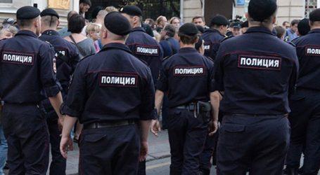 Καταδικάστηκαν διαδηλωτές που άσκησαν βία κατά αστυνομικών και τους πέταξαν σκουπίδια