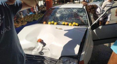 Τρόμος στη λαϊκή της Ηλιούπολης – Αυτοκίνητο έπεσε πάνω σε πεζούς
