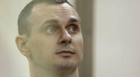 Ο Ουκρανός κινηματογραφιστής Όλεγκ Σεντσόφ καλεί για την απελευθέρωση όλων των κρατούμενων