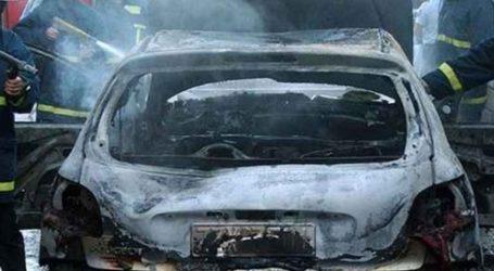 Βγήκαν σώοι από φλεγόμενο αυτοκίνητο – Κινδύνευσαν και παιδιά