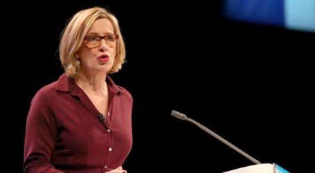 Παραιτήθηκε η υπουργός Άμπερ Ρουντ, επικαλούμενη τις διαγραφές των 21 «ανταρτών» βουλευτών