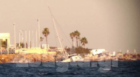 Τρία σκάφη κατέληξαν στα βράχια