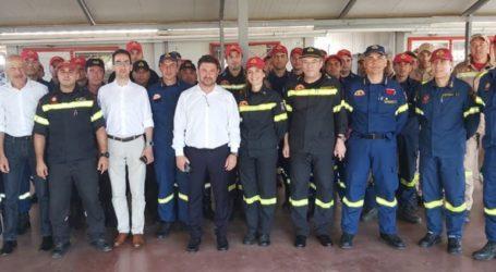 Επίσκεψη Χαρδαλιά στη βάση των Canadair στη Θεσσαλονίκη