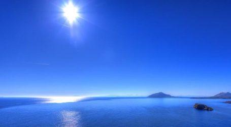 Πιο κρύα η θάλασσα στο Αιγαίο από ό,τι συνήθως και πιο ζεστή στο Ιόνιο