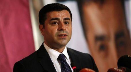 Δικηγόροι ζητούν την αποφυλάκιση του κούρδου πολιτικού ηγέτη Ντεμιρτάς