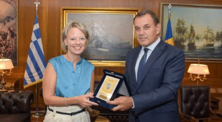 Συνάντηση του ΥΕΘΑ Νικόλαου Παναγιωτόπουλου με την Πρέσβη της Σουηδίας Charlotte Sammelin