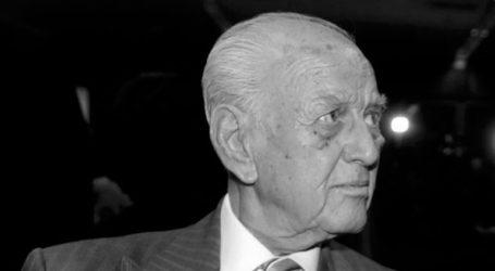 H Φ. Γεννηματά και ο Γ. Παπανδρέου αποχαιρετούν τον Αντώνη Λιβάνη