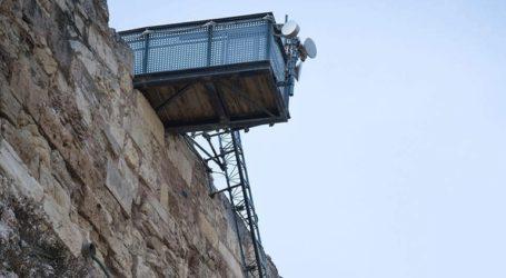 Αναστέλλεται προσωρινά η λειτουργία του αναβατορίου στην Ακρόπολη λόγω ισχυρών ανέμων