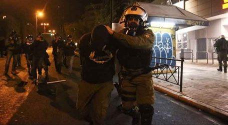 Τέσσερις συλλήψεις και 20 προσαγωγές για τα επεισόδια στα Εξάρχεια
