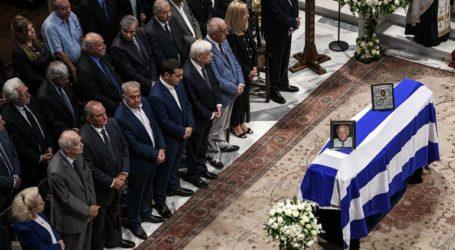 Κηδεύτηκε ο Αντώνης Λιβάνης