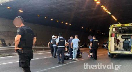 Πήδηξε από γέφυρα για να αυτοκτονήσει και τραυμάτισε μοτοσυκλετιστή