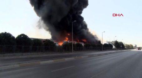 Μεγάλη φωτιά σε βιομηχανική ζώνη κοντά στην Κωνσταντινούπολη