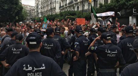 Δύο νεκροί σε συγκρούσεις ανάμεσα σε διαδηλωτές και αστυνομικούς