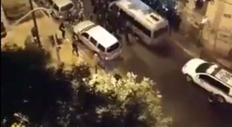Βίντεο από την εκκένωση του κτηρίου από πρόσφυγες στην Αχαρνών