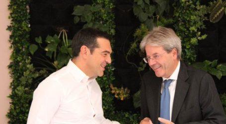 Διμερή και ευρωπαϊκά θέματα στις συναντήσεις του Αλέξη Τσίπρα στη Ρώμη