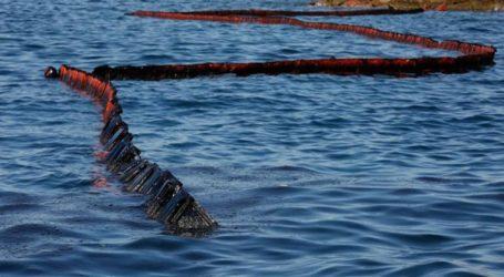 Αντιρρυπαντικά φράγματα γύρω από το δεξαμενόπλοιο που συγκρούστηκε με φορτηγό πλοίο στο Ικόνιο