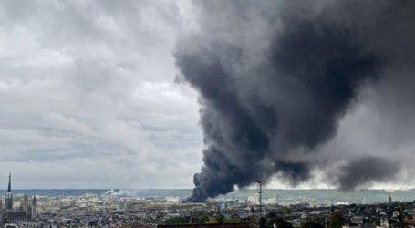 Κατασβέσθηκε η πυρκαγιά που είχε εκδηλωθεί σε χημικό εργοστάσιο