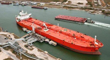 Άλμα κατέγραψαν οι ναύλοι μεταφοράς πετρελαίου, λόγω αμερικανικών κυρώσεων σε σούπερ τάνκερ