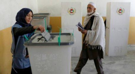 Στις κάλπες οι πολίτες για τις προεδρικές εκλογές